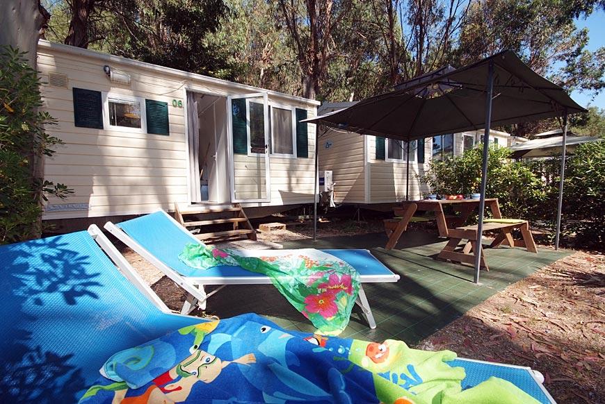 mobilheime elba campingplatz insel elba camping bungalows. Black Bedroom Furniture Sets. Home Design Ideas